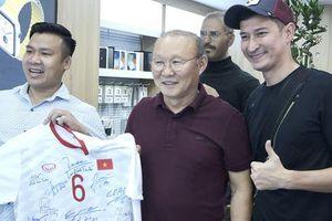 Điểm danh những gương mặt vàng làng quảng cáo bóng đá Việt đủ sức 'đe dọa' Trấn Thành, Trường Giang