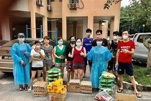 Thơm thảo tấm lòng người Việt tại Malaysia giữa lúc khó khăn