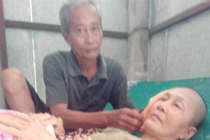 Chồng mang bệnh nuôi vợ ung thư