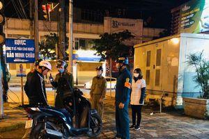 Công an thị trấn Phùng 'mạnh tay' xử lý vi phạm về phòng chống dịch