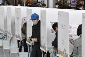'Cú hích' đối với Tổng thống Moon Jae-in