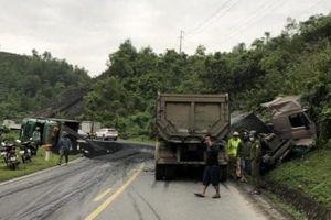 Hòa Bình: Tai nạn liên hoàn giữa xe tải và xe đầu kéo