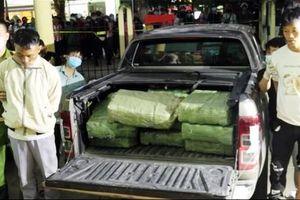 Lái ô tô vận chuyển hơn 300kg ma túy đá
