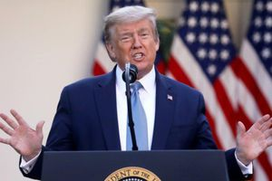 Ông Trump: Mỹ đã qua đỉnh dịch, chuẩn bị khôi phục kinh tế