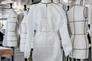 Chiêm ngưỡng những bộ quần áo bảo hộ của Louis Vuitton ở Paris
