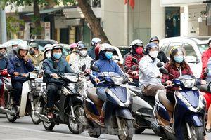 Hà Nội: Người ra đường tăng đột biến trong ngày đầu gia hạn giãn cách xã hội
