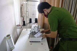 Phát hiện cơ sở sản xuất khẩu trang 'chui' tại Đà Nẵng