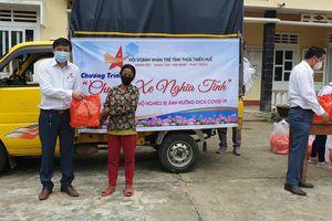 'Chuyến xe nghĩa tình' của doanh nhân trẻ Huế đến với dân nghèo vùng cao