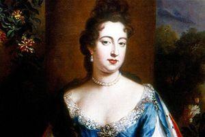 Nữ hoàng đầu tiên của Anh 17 lần mang thai