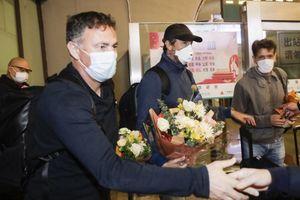 Cầu thủ Vũ Hán lần đầu về nhà sau hơn 3 tháng