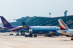 Covid-19: Nguyên nhân khiến giá vé máy bay Hà Nội - TP. Hồ Chí Minh tăng