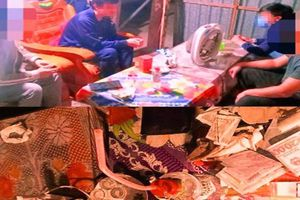 Bắt quả tang 4 thanh niên tụ tập tại nhà riêng 'say sưa' ma túy đá