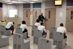 Mỹ xuất hiện ổ dịch Covid-19 mới tại trung tâm giam giữ trẻ vị thành niên