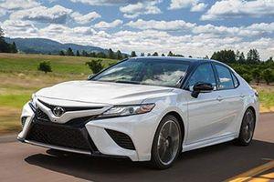 Toyota Camry AWD 2020 có giá hơn 610 triệu khiến Honda Accord, Mazda 6 'lo sốt vó'
