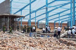 Vụ sập tường khiến 7 người chết ở Vĩnh Long: Đề nghị truy tố 4 bị can