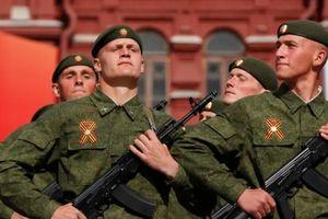 Nga cách ly 15.000 binh sĩ vì lo COVID-19