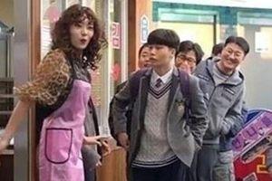 Truyền hình Hàn xin lỗi vì chiếu cảnh phim khiêu khích, phản cảm