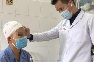 Người phụ nữ bị máy cắt rau lột sạch da đầu, lộ xương sọ