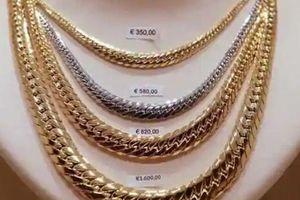 Giá dầu giảm thúc đẩy nhu cầu mua vàng để bảo toàn tài sản
