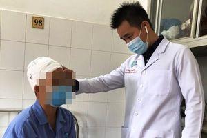Phẫu thuật cấp cứu phụ nữ bị lóc toàn bộ da đầu