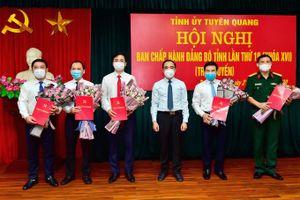 Tuyên Quang: Trao quyết định cho 5 tân Ủy viên Ban Chấp hành Đảng bộ tỉnh