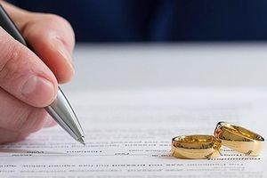 Tòa thụ lý đơn ly hôn của chồng khi vợ nuôi con dưới 1 tuổi