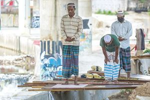 Malaysia phong tỏa, 1 triệu lao động Indonesia lo thiếu thức ăn