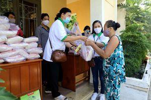 Hơn 8.000 suất gạo phát cho người khó khăn ở Khánh Hòa