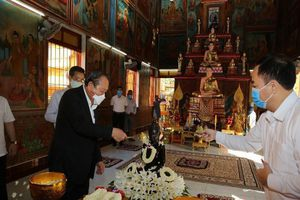Phó Thủ tướng chúc mừng tết cổ truyền Chôl Chnăm Thmây