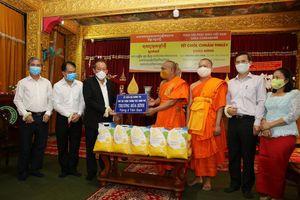 Phó Thủ tướng Thường trực chúc mừng Tết cổ truyền Chôl Chnăm Thmây