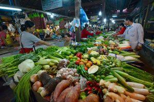Bloomberg: Việt Nam đang tìm cách hồi phục kinh tế sau thời gian cách ly xã hội