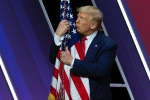 Ông Trump tự nhận là tổng thống chăm chỉ nhất lịch sử