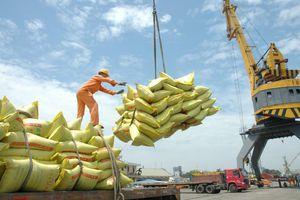 Bộ Công thương đề nghị từ ngày 1-5 bỏ 'hạn ngạch gạo'