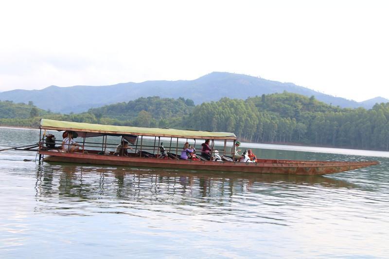 Đảm bảo an toàn giao thông trên vùng lòng hồ sông Đà