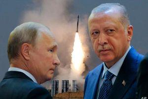 Dồn dập tin thắng lợi cho Nga ở Syria: Mỹ 'thọc gậy bánh xe' không thành, Thổ Nhĩ Kỳ 'rắn như đá' cũng chịu khuất phục ở M4