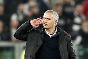 Bị sỉ nhục, Mourinho quyết tâm thay đổi cuộc đời