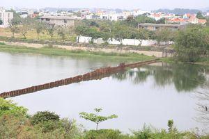 Đà Nẵng làm đập tạm chặn băng sông Cẩm Lệ để ngăn mặn