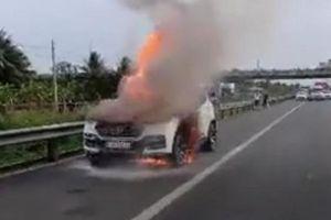 Kỹ sư Lê Văn Tạch phân tích nguyên nhân cháy xe sau vụ ô tô Vinfast bị cháy trên cao tốc