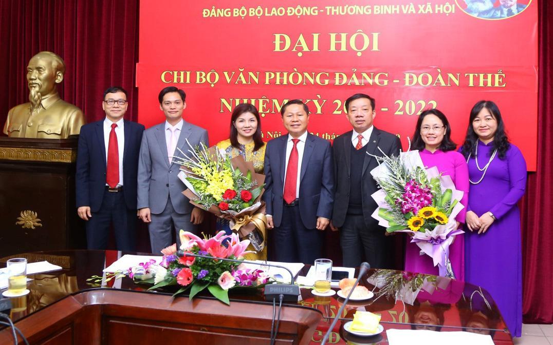 Chi bộ Văn phòng Đảng - Đoàn thể tổ chức thành công Đại hội nhiệm kỳ 2020-2022