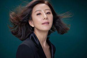 Kim Hee Ae và những điều cần biết về nữ chính 53 tuổi đang gây bão với 'Thế giới hôn nhân'