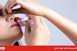 Bị chảy máu mũi do đâu?