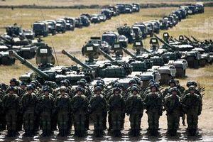 Tổng thống Putin chi tiền mua vũ khí, Nga trở lại cuộc chạy đua vũ trang với Mỹ?