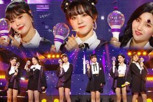 Kỷ niệm 2 năm debut, (G)I-DLE mang hẳn lighstick lên sân khấu Music Core, gửi lời nhắn ý nghĩa đến người hâm mộ