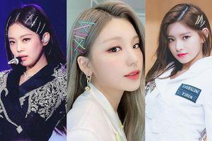 Học lỏm cách biến hình mái tóc trở nên cực ấn tượng từ các idol K-Pop chỉ với kẹp tăm!