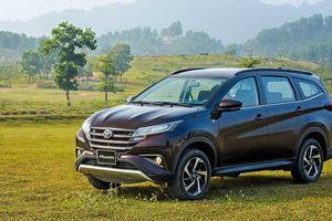Toyota Rush giảm giá tại nhiều đại lý, rẻ hơn Mitsubishi Xpander