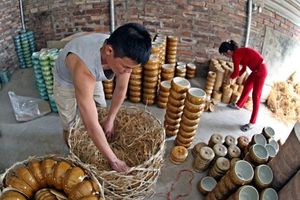 Thăm làng gốm Kim Lan, làng gốm nổi tiếng với bề dày lịch sử nằm ngay cạnh làng gốm Bát Tràng