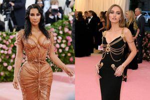 Váy 'ướt sũng' của Kim Kardashian và loạt thiết kế vô giá tại Met Gala