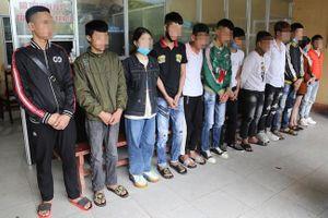 Bắt 14 thanh thiếu niên tụ tập đua xe trên đường đi Tam Đảo