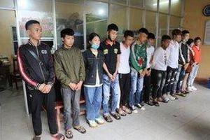 Bắt 14 phượt thủ lạng lách đánh võng khi vãn cảnh Tây Thiên, Tam Đảo