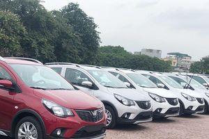 Xe VinFast giảm giá sốc gần 300 triệu đồng